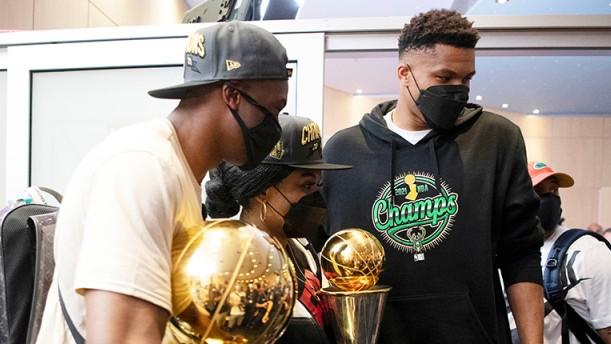 Αντετοκούνμπο: Στα Σεπόλια με το τρόπαιο του NBA την Τρίτη